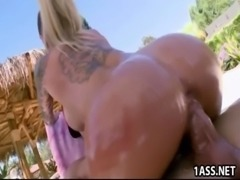 Busty Christy Mack watches her car free