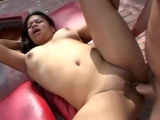Chubby brunette girl fucking in the neighbor's backyard