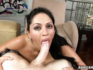 With phat booty squeezes the cum out of snake with her love box