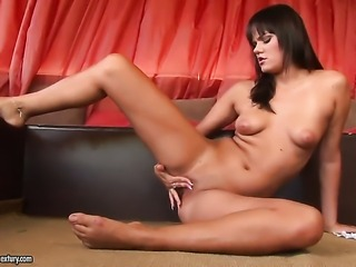 Brunette breathtaker Rosee cant live a day without playing with herself