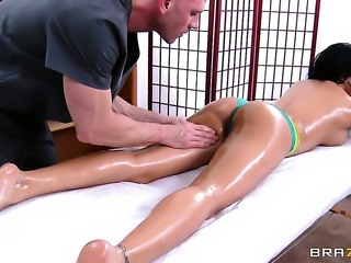 Johnny Sins uses his stiff meat stick to bring Luna Star to the edge of nirvana