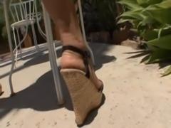 Gorgeous blonde pornstar Holly Halston demonstrates amazing porn skills free