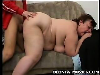 Miranda Grinding Her Ripe Cunt