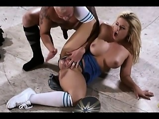 BigBoobs Emma Heart gets hard fuck at a skate park