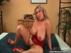 Mature soccer mom with natural big tits gets fucked free