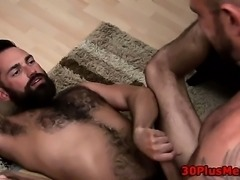 Gay dude getting fucked by bear