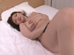 HD japan mom fuckes herself with a dildo free