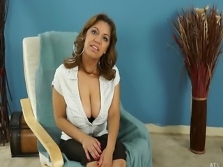 Mature 46 years old Marisa Vazquez answers very personal questions in this sexy interview.