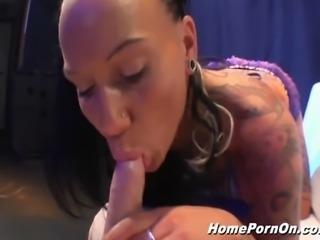 Hammer Porno Lady Kitty zeigt wie es die Profis machen! Was für eine geile...