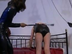 Attractive slave girl in latex loves pleasuring her horny master