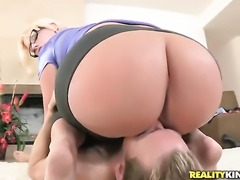 Blonde Julie Cash gets shagged to orgasm by Erik Everhard