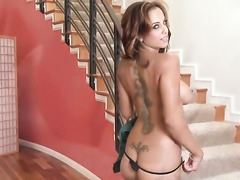 Sultry sex kitten Mulani Rivera masturbates with passion