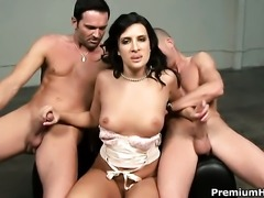 Ava Ramon cant live a day without taking cumshot on her pretty face