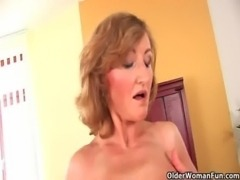 Older woman with small breasts and hot body free
