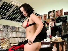 Liza Del Sierra with huge breasts cant live a day without toying her twat