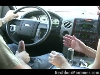 Mom picked up at the park gets fucked free