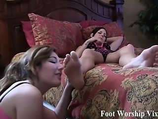 Lady Bell enters the room and she is in foot fetish heaven