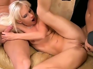 Giving double blowjob during hardcore threesome makes Bea Stiel very wet with needs