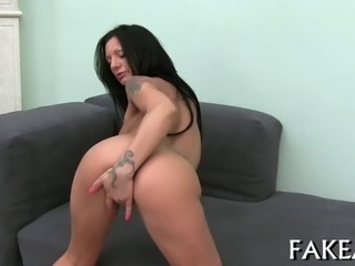 Exciting and raunchy cock pleasuring session with lovely chick