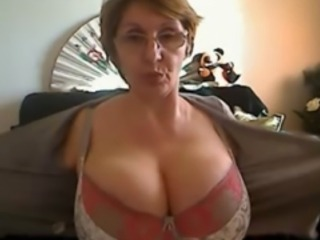 Sexy Mature Shows Her Big Tits On Her Webcam At Home
