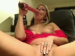 Hot older webcam woman playing with her long adult ty