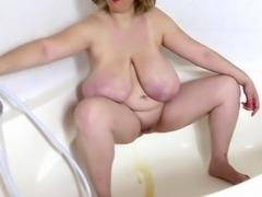 Amateur plumper Emily