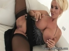 Lucy Zara And Holly Kiss English MILF free