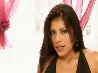 Colombian/Spanish Yoha enjoys getting her pussy heavily massaged on the inside by Chanel...