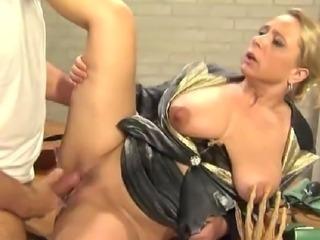 Nice woman pee