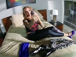 Fantastically hot porn star Juelz Ventura presents Kevin Moore what is named...