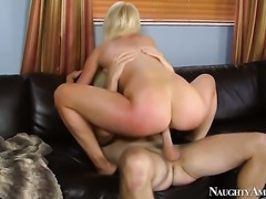 Levi Cash fucks nasty Zoey Paiges slit in every position