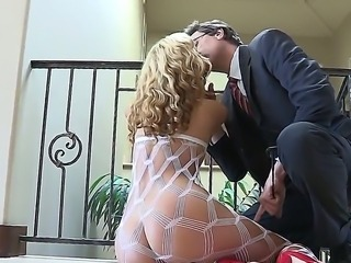 Super hot blondie Jessie strips showcasing her fat round tasty ass before giving a spicy bj