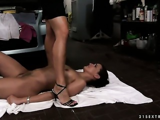 Brunette Katy Parker with gigantic melons and Andy Brown are so fucking horny in this lesbian action