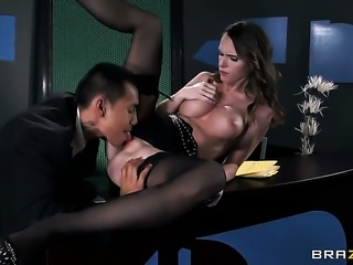 Keni Styles plays hide the salamy with Jennifer Dark
