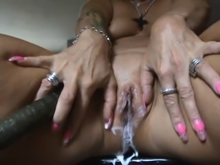 Perfect german milf squirts