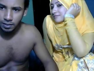 couple from dubai