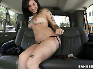 Well-stacked pornstar Alykat Lauren with big butt has tugjob experience of her lifetime