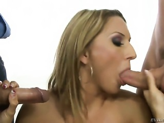 Leslie Taylor uses his throbbing sausage to make blowjob addict Csoky Ice...