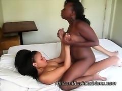 Big booty African lezzie fucks beautiful light skinned sista
