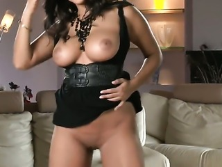 Sunny Leone with giant boobs and shaved beaver howls as she fucks herself...