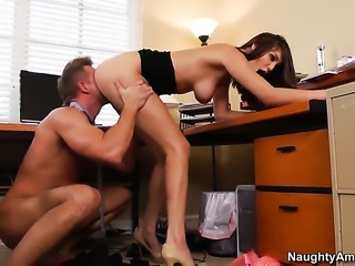 Seductive hottie Holly Michaels and hard dicked dude Bill Bailey have...