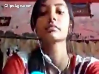 Beautiful Gujju college girl exposing herself and making video for her boyfriend free