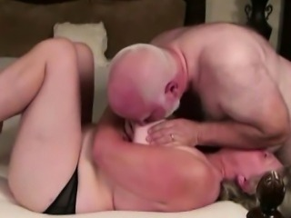 Hot babe Starla desperate amateurs