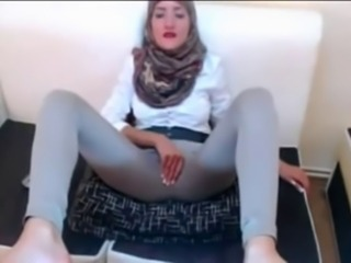 Hijabi playing with her pussy