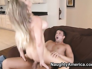 Rocco Reed enjoys gorgeous Dyanna Laurens wet hole in sex action