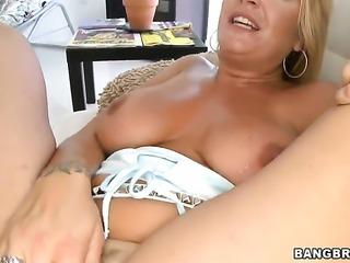 Robbye Bentley just needs her overwhelming sexual desire to be fulfilled...