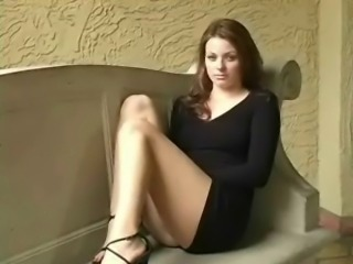 Brown Haired Girl Squirts