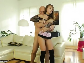 Brunette Gracie enjoys mans throbbing schlong deep inside her pussy