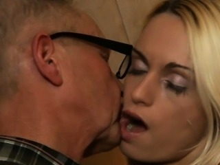 Granpa blissed by a young and sexy pussy