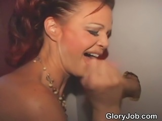 Mature and washed up Vegas show girl miking dicks dry at amateur glory hole...